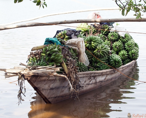 Banaanboot op Meer Kivu, Rwanda