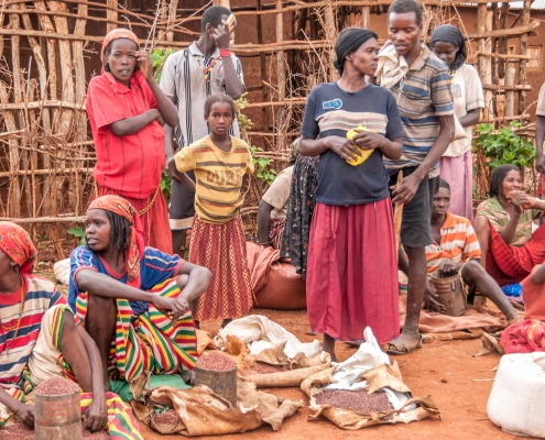 Market in Key Afer.The Ari people inhabit the northern part of the Mago National Park in Ethiopia