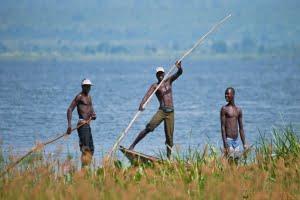 Murchison Falls. White Nile River. Oeganda. Vissers uit het dorp vissen op de Witte Nijl