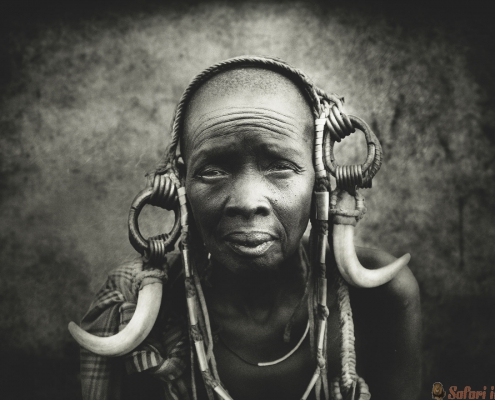 Old women from the African tribe Mursi, Ethiopia