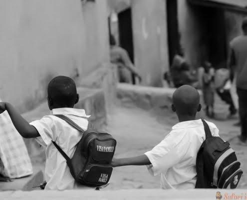 Schoolkinderen in Kigali, Rwanda B&W