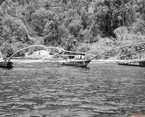 Traditionele vissersmeer Kivu boot B&W