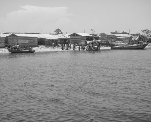 Villagers on Ngamba Island, Uganda B&W