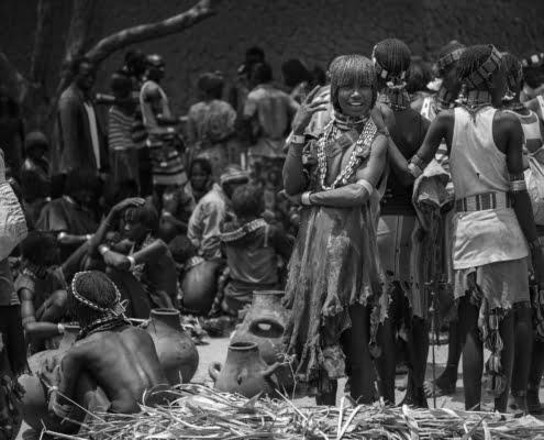 Woman at the market of Turmi, Ethiopia B&W