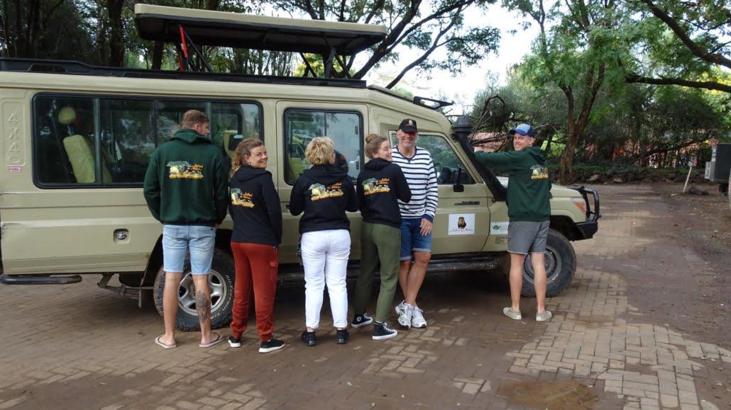 safari-in-africa-sweaters