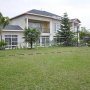 safari-in-rwanda_bishops-house_06