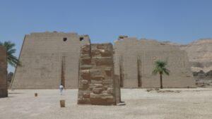 egypte-rondreis_safari-in-africa_habu-tempel_02