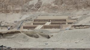 egypte-rondreis_safari-in-africa_hatjsjepsut-tempel_al-deir al-bahari-temple_02