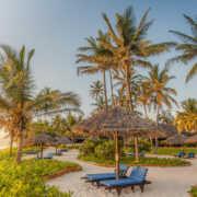 safari-in-africa-breezes-beach-club-en-spa-zanzibar_02