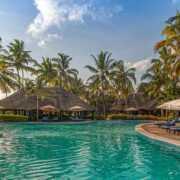 safari-in-africa-breezes-beach-club-en-spa-zanzibar_09
