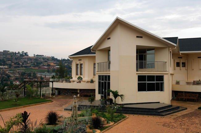 safari-in-africa-kigali-genocide-memorial-museum_03