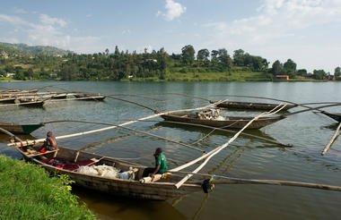 safari-in-africa-rwanda-Lake Kivu_02