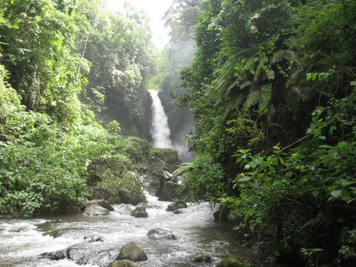 safari-in-africa-usambara-mountains-lushoto-waterfalls
