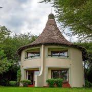 safari-in-kenia-Serena-Safari-Lodge-lake-manyara_1