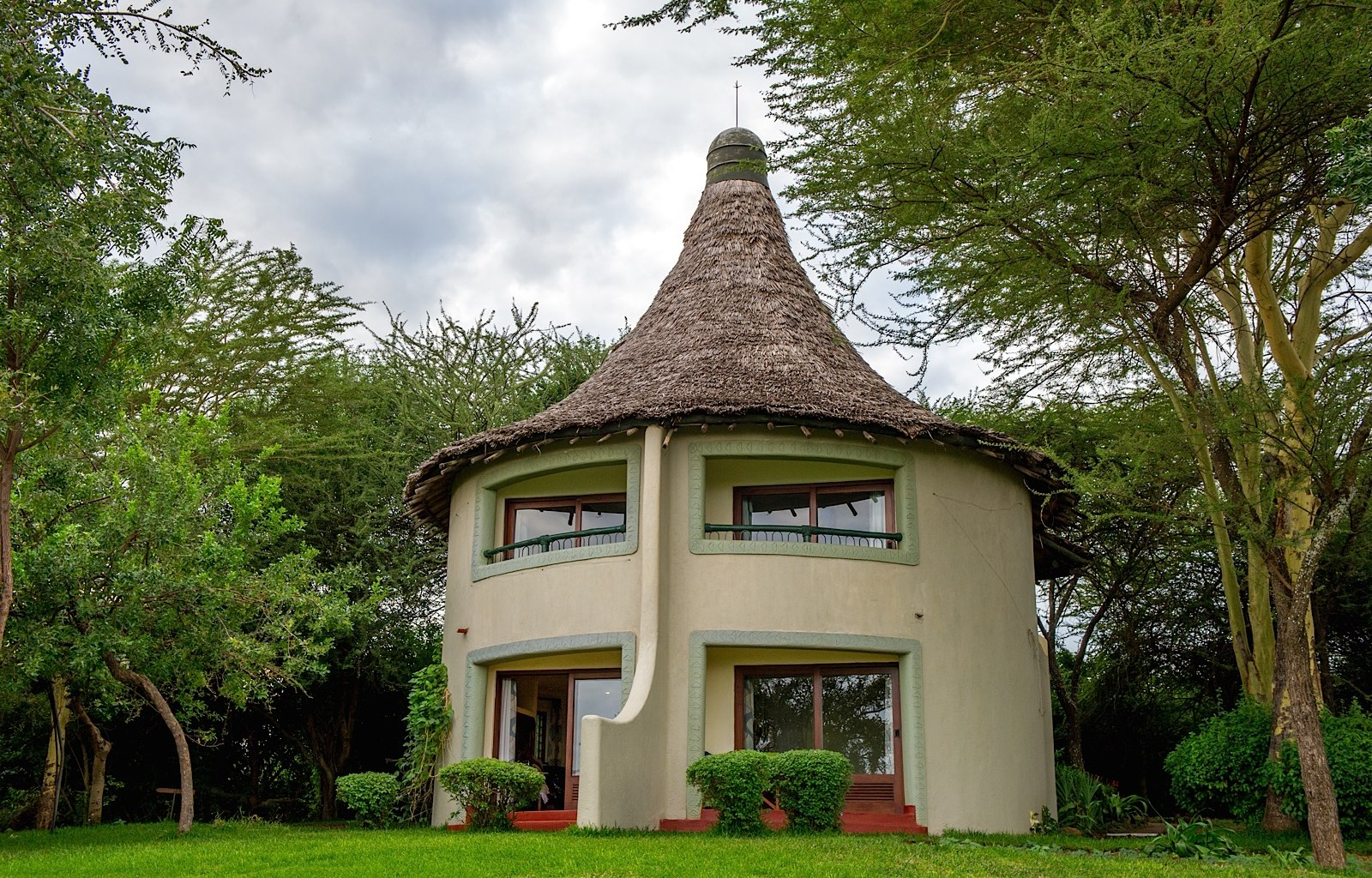safari-in-kenia-Serena-Safari-Lodge-lake-manyara_1