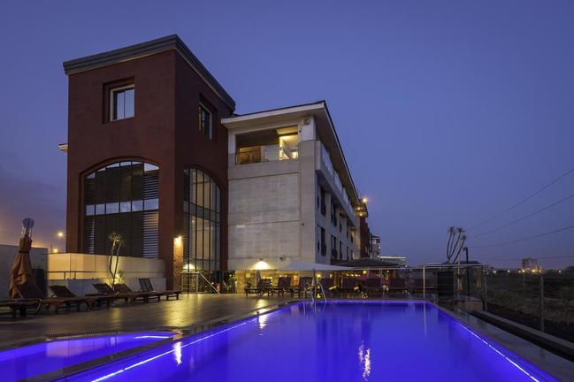 safari-in-kenia_Ole Sereni Hotel_01