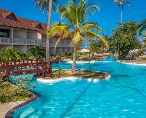 safari-in-kenia_amani-tiwi-beach-resort_01