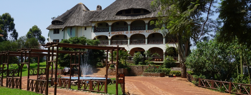 safari-in-oeganda-birdnest-resort-lake-bunyonyi_01