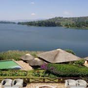 safari-in-oeganda-birdnest-resort-lake-bunyonyi_02