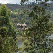 safari-in-oeganda-birdnest-resort-lake-bunyonyi_03