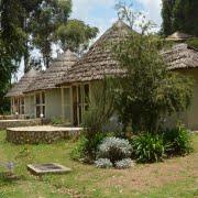 safari-in-oeganda-birdnest-resort-lake-bunyonyi_04