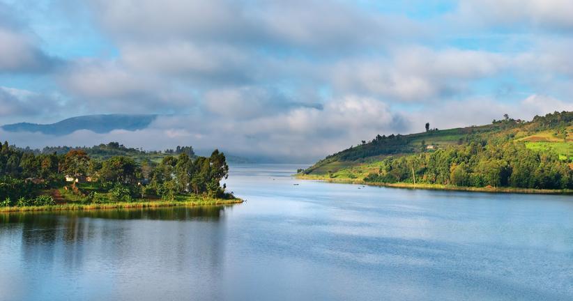 safari-in-oeganda-lake-bunyonyi_02