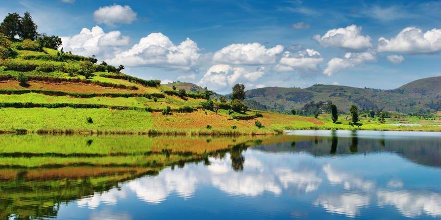 safari-in-oeganda-lake-bunyonyi_03
