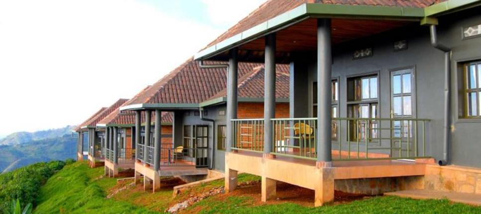 safari-in-rwanda-Nyungwe-top-view-hill-hotel_02