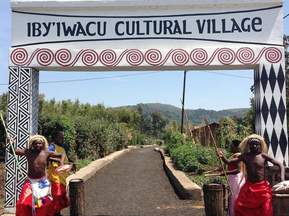 safari-in-rwanda-iby'iwacu-cultural-village_01