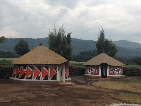 safari-in-rwanda-iby'iwacu-cultural-village_02