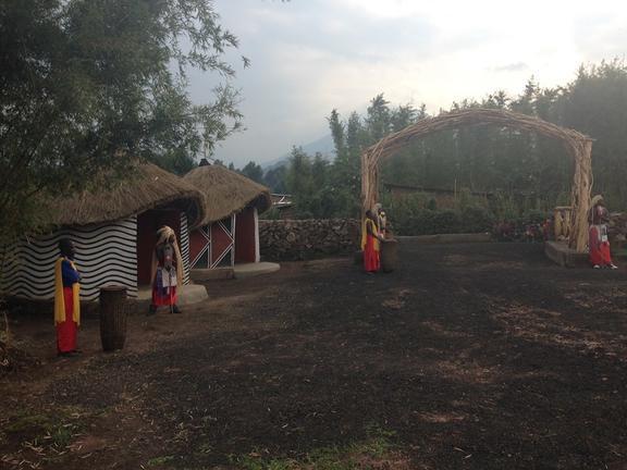 safari-in-rwanda-iby'iwacu-cultural-village_03