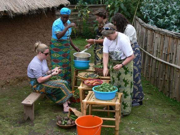 safari-in-rwanda-iby'iwacu-cultural-village_04