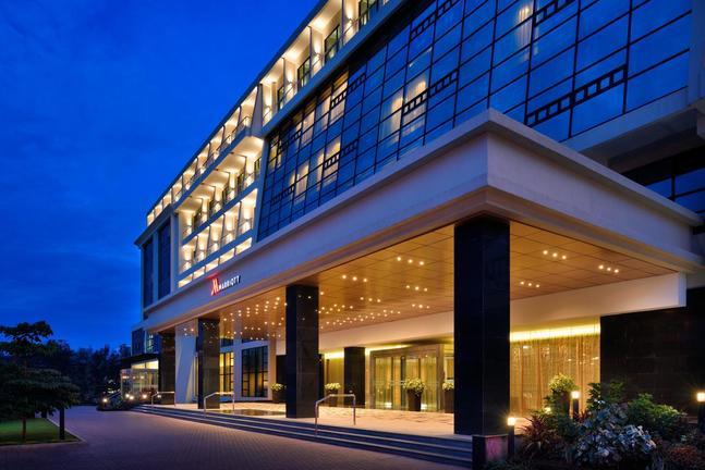 safari-in-rwanda-kigali-marriott-hotel_01