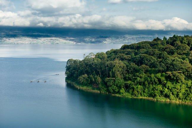 safari-in-rwanda-lake-kivu_01