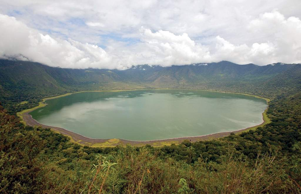 safari-in-tanzania-empakaai-krater