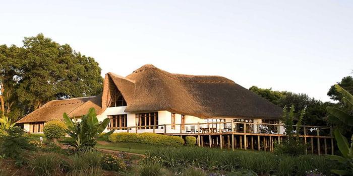 safari-in-tanzania-ngorongoro-farm-house_01
