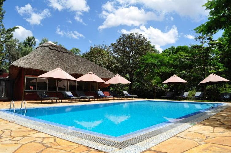safari-in-tanzania-ngorongoro-farm-house_02