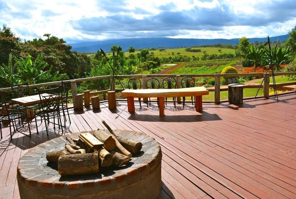 safari-in-tanzania-ngorongoro-farm-house_03