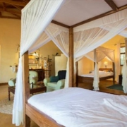 safari-in-tanzania-ngorongoro-farm-house_04