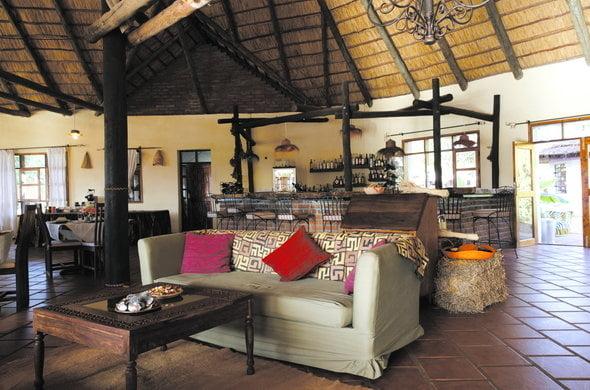 safari-in-tanzania-ngorongoro-farm-house_06