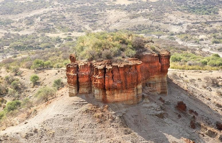safari-in-tanzania-olduvai-gorge_01