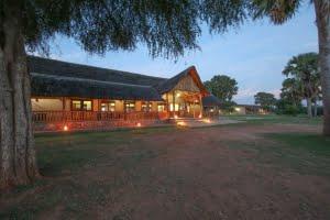 safari-in-uganda-pakuba-safari-lodge-murchison-falls-national-park_01