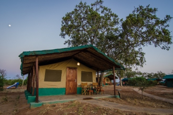 Sentrim camp @Tsavo East – Kenia