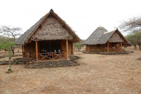 Severin safari camp @Tsavo West – Kenia