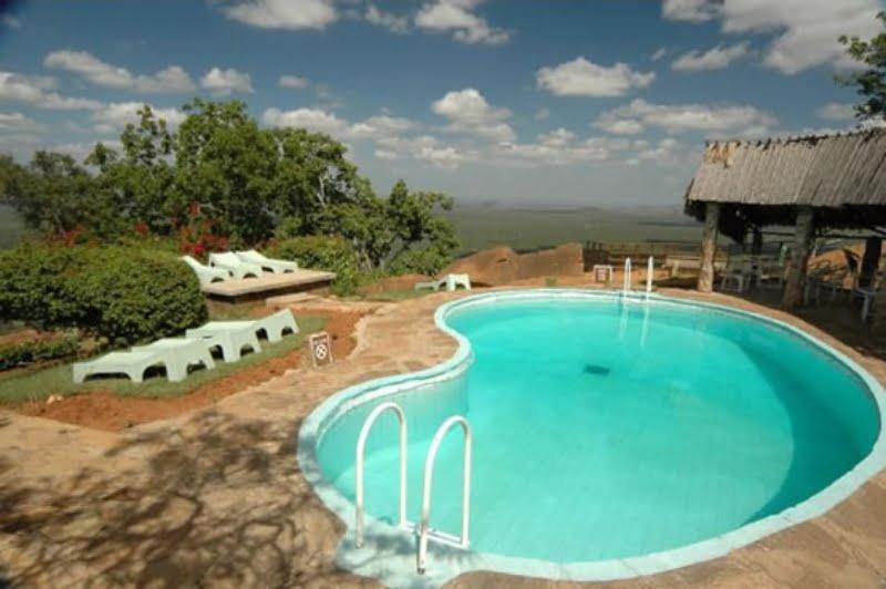 safari-kenia-standaard_ngulia_safari_lodge_3