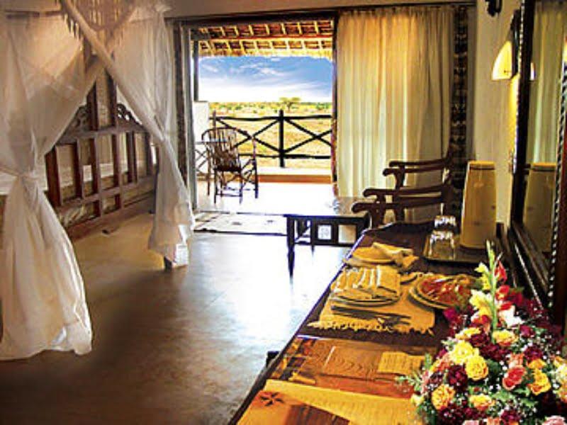 safari-kenia-standaard_voi_wildlife_camp_5
