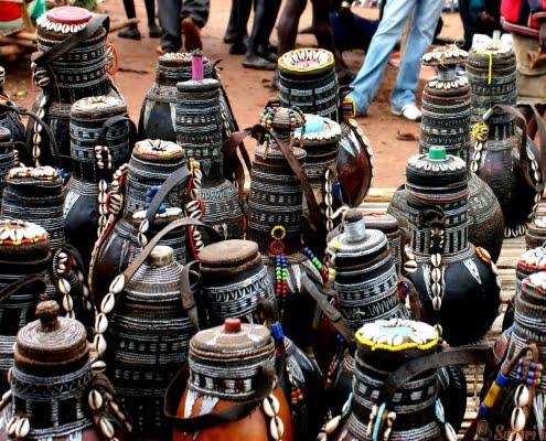 sale of pots on a market, Ethiopia