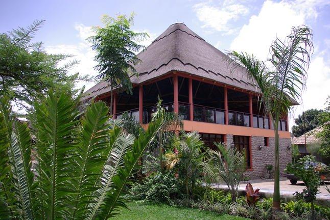 safari-in-rwanda_tiloreza-volcanoes-boutique-hotel_01
